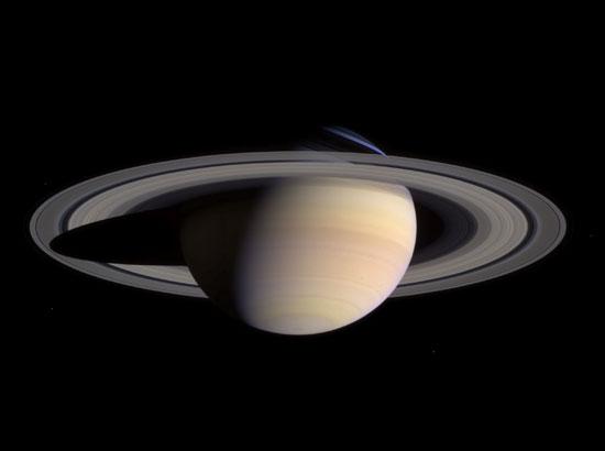 planeta gaseoso Saturno